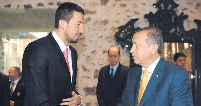 Erdoğan'ın liderliği örnek gösterilmeli