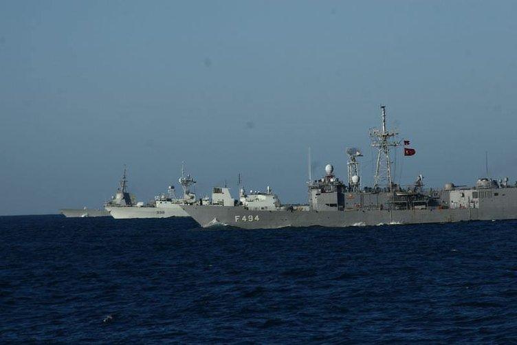 Akdeniz savaş gemisiyle doldu