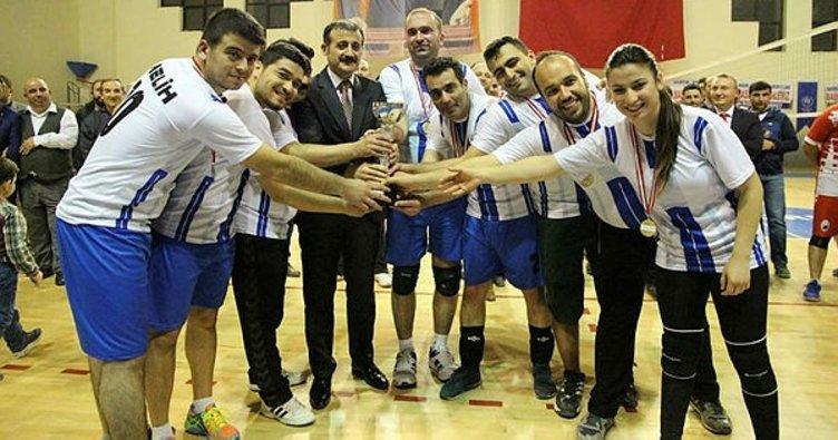 Sungurlu'da voleybol turnuvasının şampiyonu belli oldu