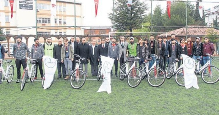 Şampiyon takıma bisiklet