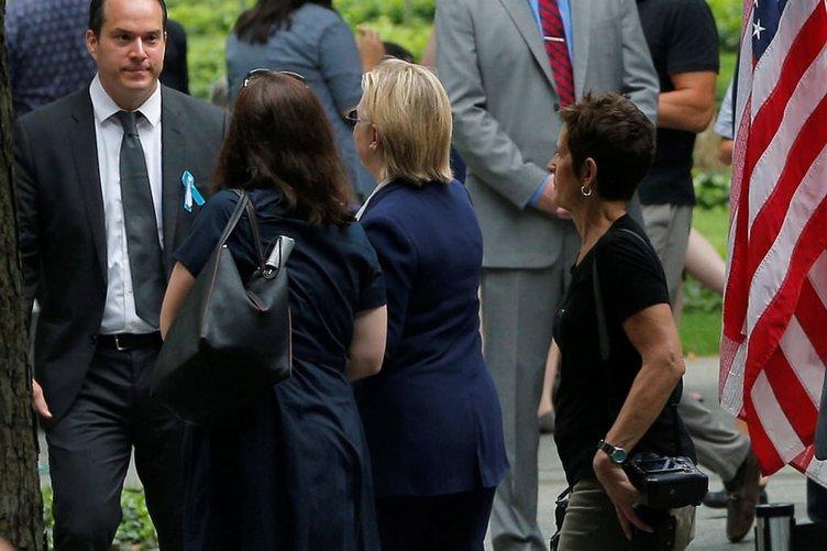 Hillary Clinton hastaneye kaldırıldı