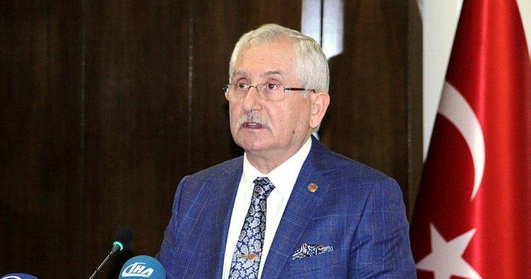 YSK Başkanı Güven, Erdoğan'ın mazbatasını teslim ediyor