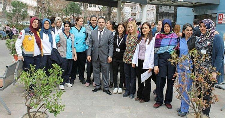 """İzmir Sağlık Sen'den """"Kadın toplumun mayasıdır"""" açıklaması"""