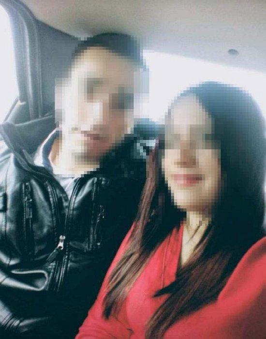 Evinde yarı çıplak yakaladığı kişi ile eşini döverek yaraladı
