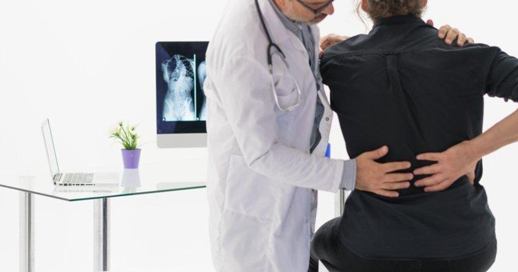 Bel Ağrısı Nasıl Geçer? Bel Ağrısı Neden ve Nasıl Olur, Tedavi İçin Hangi Doktora Gidilir?