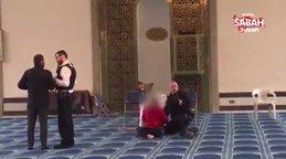 Son dakika! İngiltere'de camide bıçaklı saldırı | Video