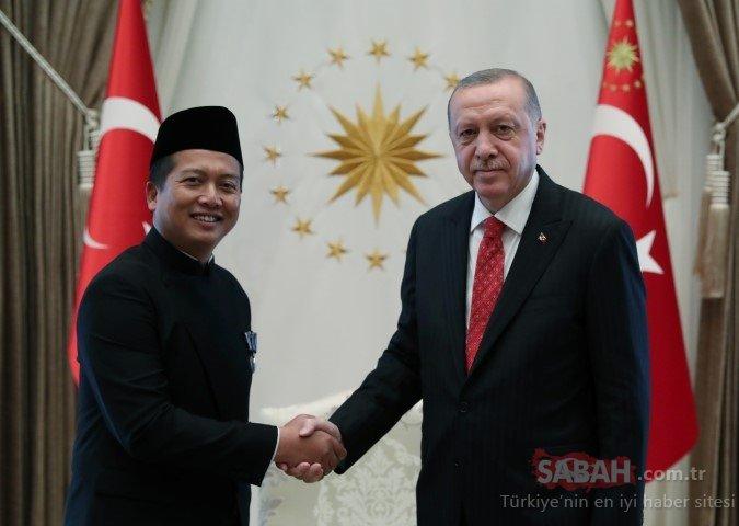 Endonezya'nın Ankara Büyükelçisi Lalu Muhammed İkbal'den Başkan Erdoğan'a güven mektubu.