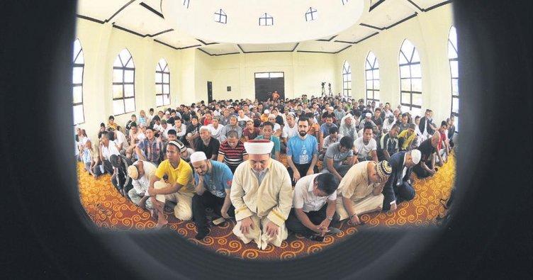 Filipinler'de yapılan dualar Şırnak şehitlerine