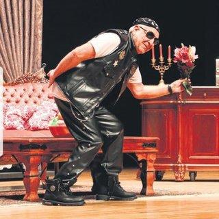 Cihat Tamer 26 yıl sonra tiyatroya döndü