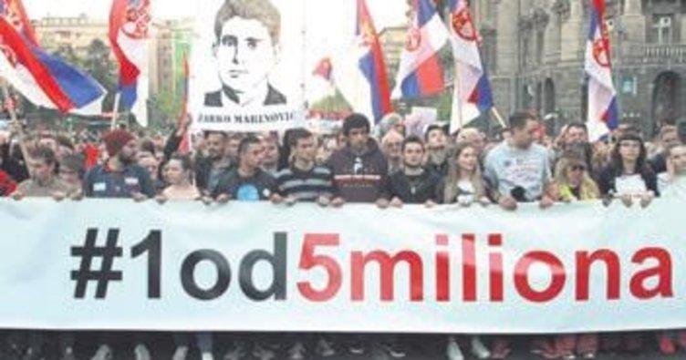 Sırbistan ve Karadağ yine sokaklardaydı
