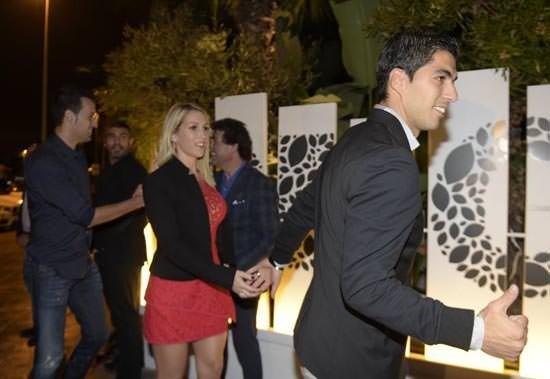 Suarez'in kutlamasında Arda'nın şıklığı dikkat çekti