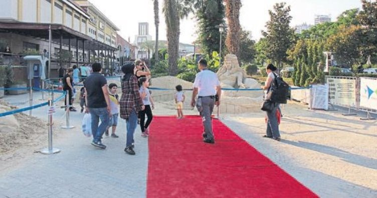 Forum Mersin'de kum festivali