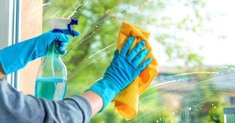 Temizlik yaparken pamuklu eldiven üzerine bulaşık eldiveni kullanılmalı
