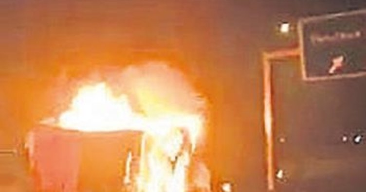 Biber yüklü TIR alev alev yandı