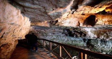 Çal Mağarası ziyaretçi akınına uğruyor