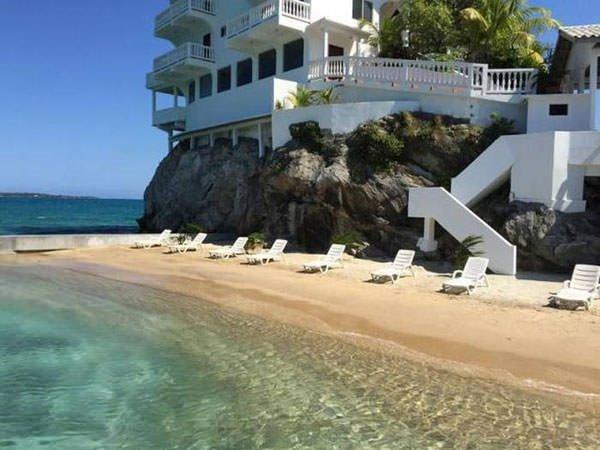 Kayanın üzerine otel inşa ettiler