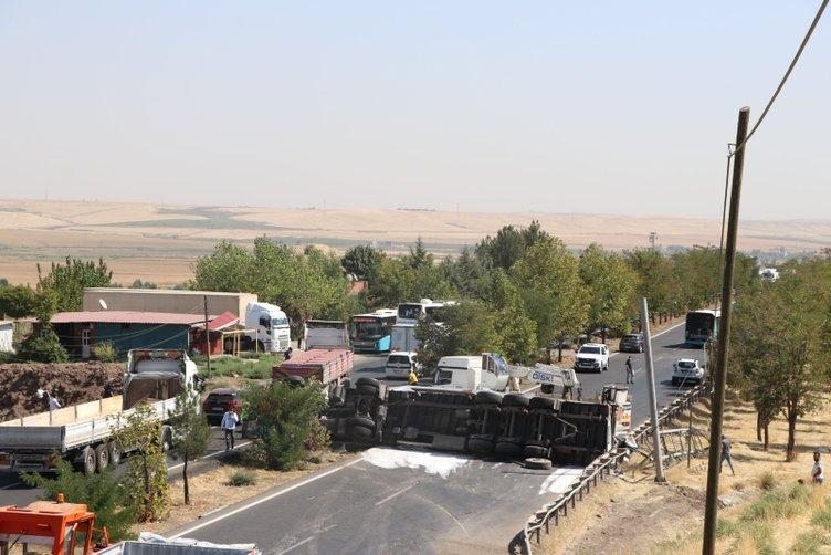 Son dakika haberi: Diyarbakır - Mardin Karayolu'nda dehlete düşüren kaza! Yol saatlerce trafiğe kapalı kaldı...