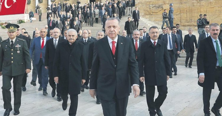 Devletin zirvesi ATA'nın huzurunda