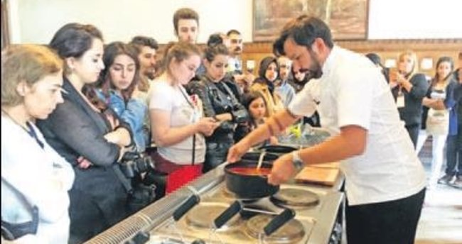 Sirkeci Garı'nda makarna festivali