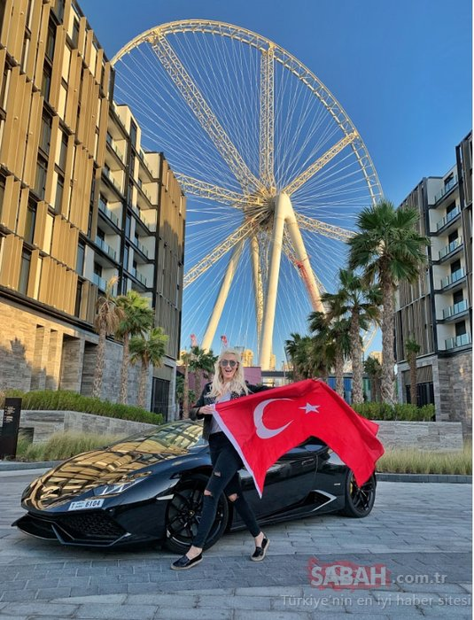 'Supercar Blondie' paraya para demiyor!