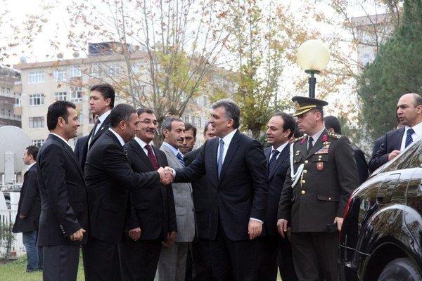 Abdullah Gül Diyarbakır'ı ziyaret etti
