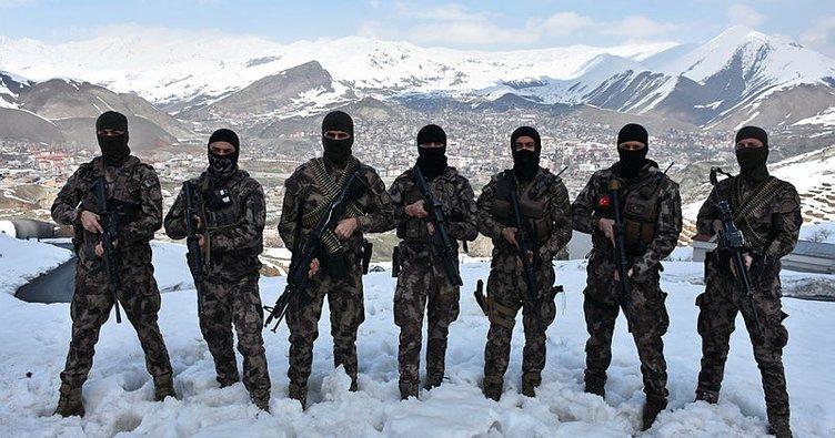 Özel kahramanlar teröristlere geçit vermiyor