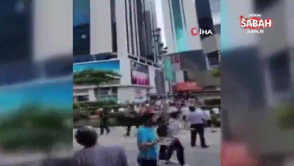 Çin'de beşik gibi sallanan 355 metrelik gökdelen paniği kamerada