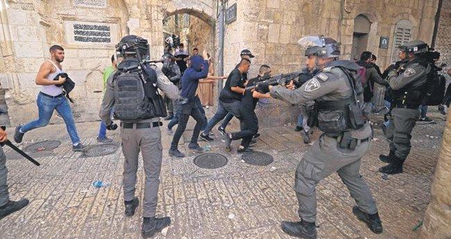 Le Monde'dan İsrail'e eleştiri