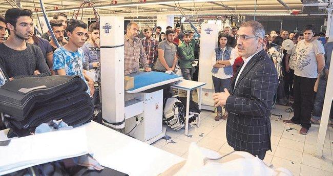 Çelikcan tekstil işçileriyle buluştu