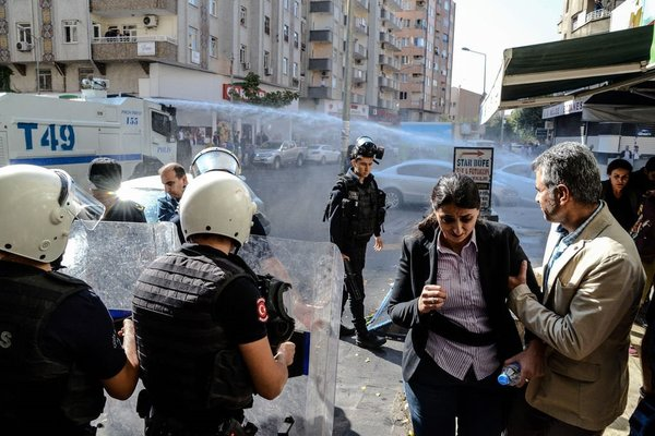 Türkiyeliyim yalanıyla halkı kandıran HDP'nin sessiz çöküşü