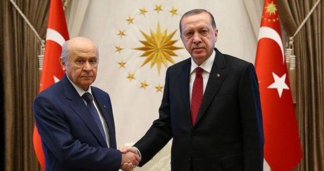 Son dakika: Devlet Bahçeli'den Başkan Erdoğan'a tebrik telefonu