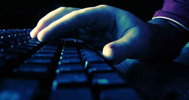FETÖ'nün 'trolleri' siber polisten kaçamadı