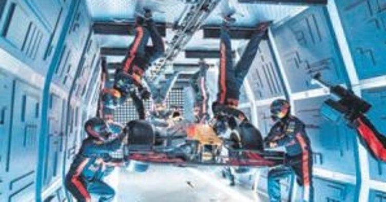 Aston Martin RED BULL ekibi 33 bin feette pit stop yaptı