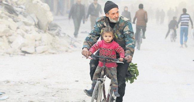 Halep'te rejim ilerliyor