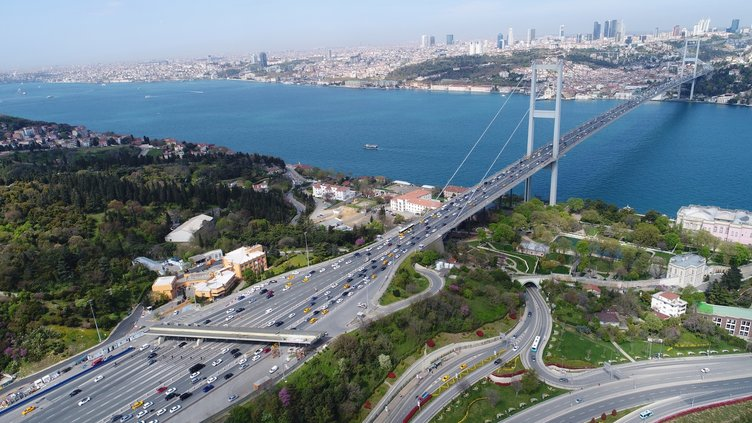 15 Temmuz Şehitler Köprüsü'ndeki gişe çalışmaları havadan görüntülendi