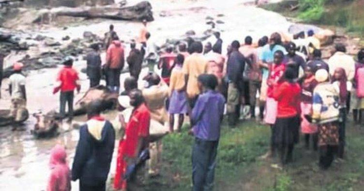 Kongo ve Uganda'da heyelan faciası: 74 ölü