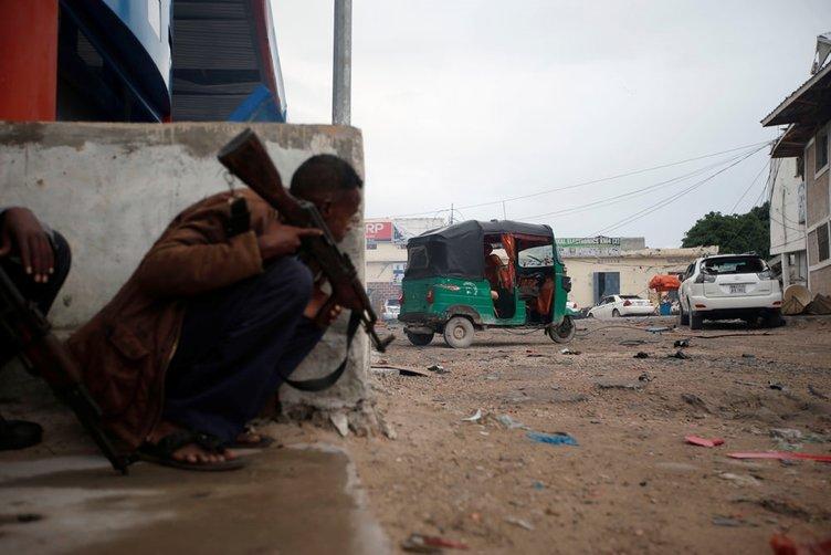 Somali'nin başkenti Mogadişu'da otele silahlı saldırı: 7 ölü