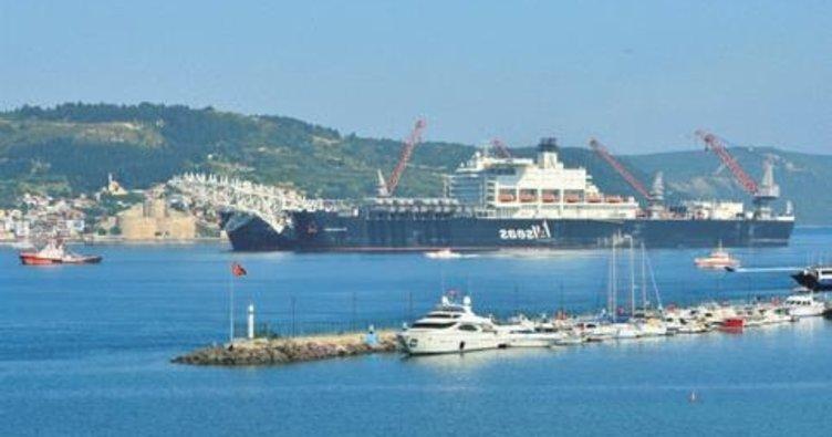TürkAkım'da boru döşeyecek gemi Karadeniz yolunda