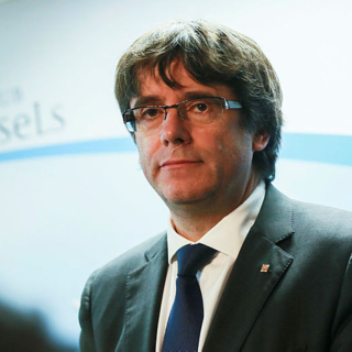 Eski Katalonya lideri Puigdemont hakkında yakalama kararı