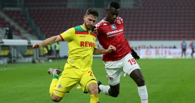 Beşiktaş ve Galatasaray'ın radarındaki Salih Özcan, Köln'de kaldı