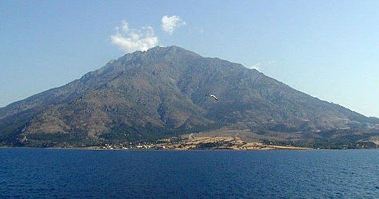 Yunanistan'ın Semadirek Adası'nda mahsur kalanlar için feribot gönderildi