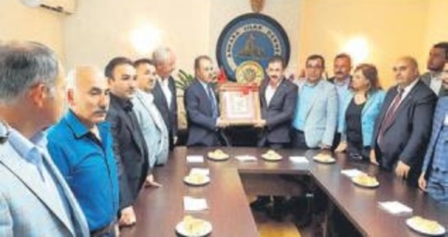 """Önemli olan Ankara'ya hizmet"""
