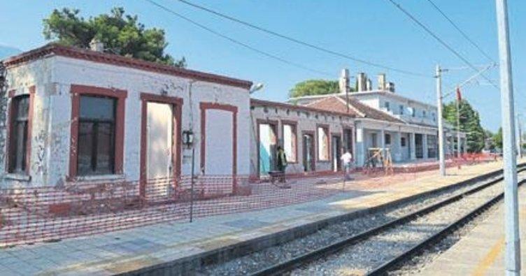 Kırkağaç'taki tren garında restorasyon