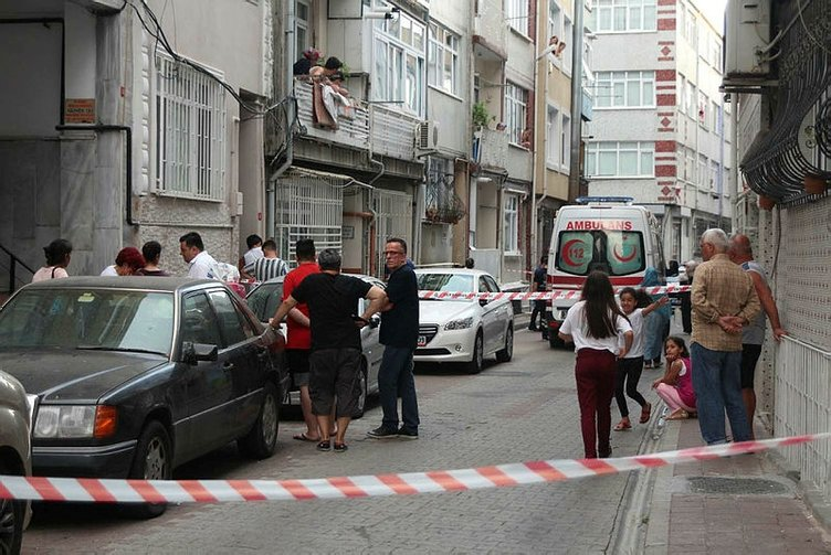 Fatih'te Çinli kadının boğazını kestiler sonra evi yakıp kaçtılar! Son dakika haberi...