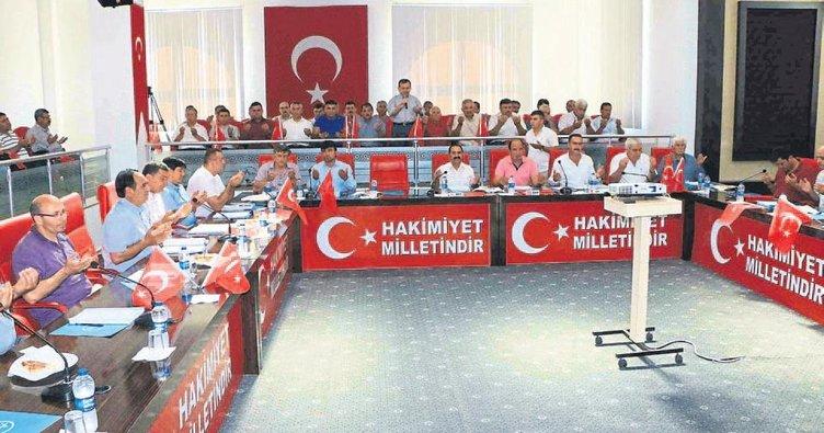 Aksu'da demokrasi şehitleri unutulmadı