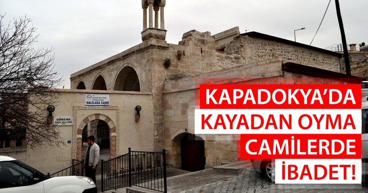 Kapadokya'da kayadan oyma camilerde ibadet