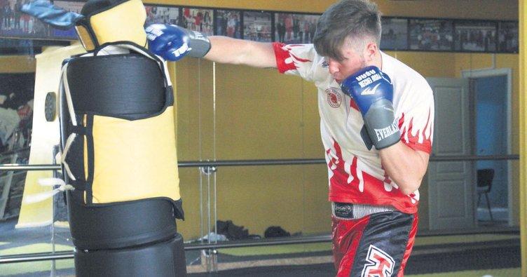 Kaleciyken kick boks şampiyonluğuna yolculuk