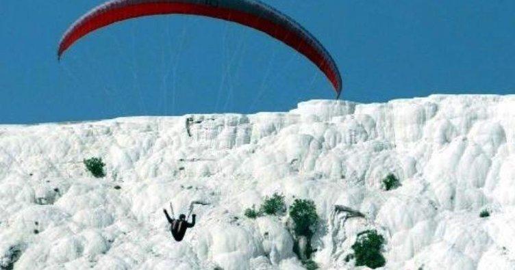 Pamukkale artık yamaç paraşütünün yeni adresi
