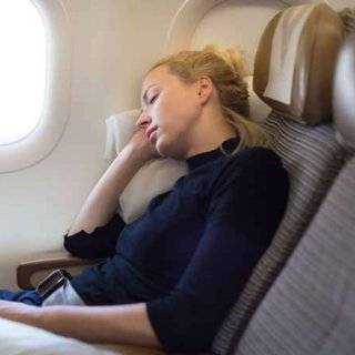 Uçakta daha rahat uyumak için 5 ipucu