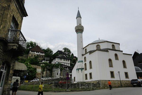 Bosna'nın Esma Sultan'ı güzelliğiyle büyülüyor